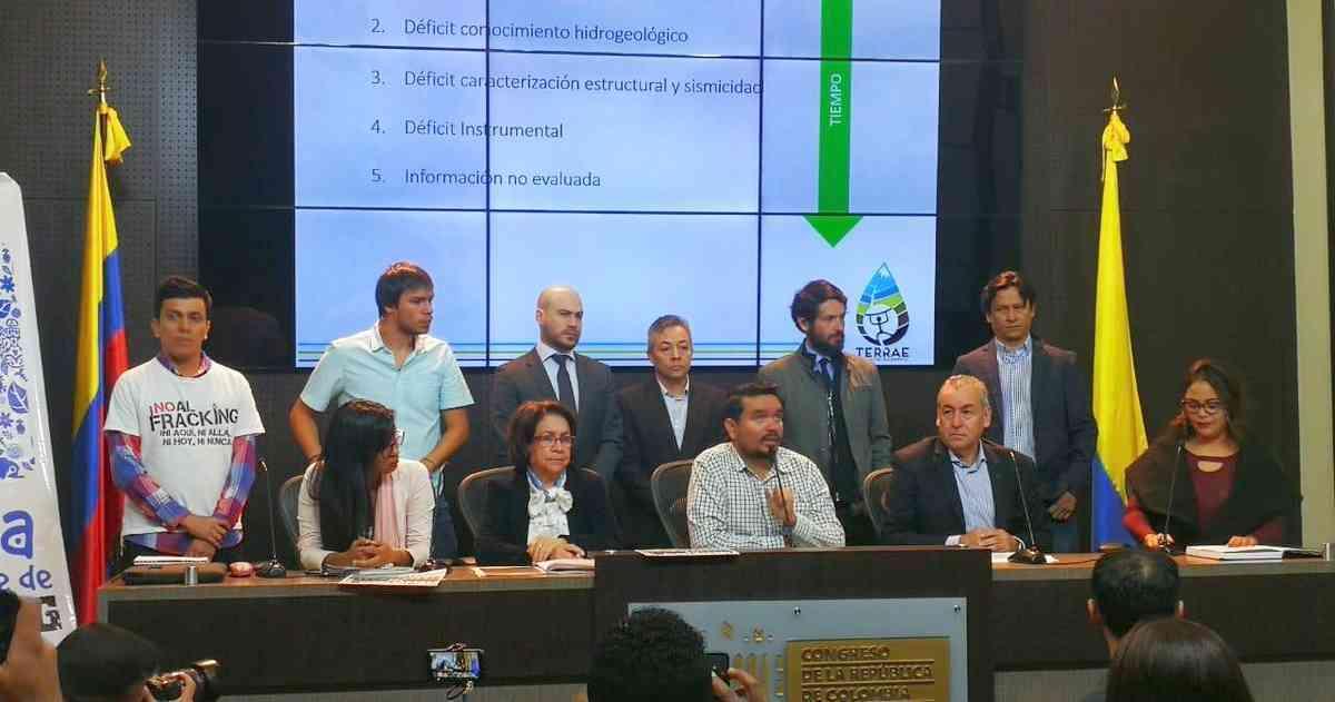 Organizaciones ambientalistas y congresistas radican Proyecto de Ley que prohibiría el fracking en Colombia