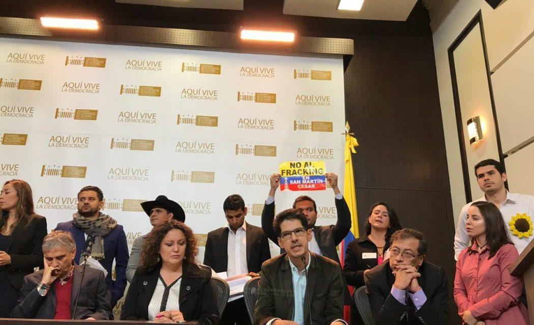 50 Congresistas piden a Iván Duque suspender pilotos de fracking en Colombia