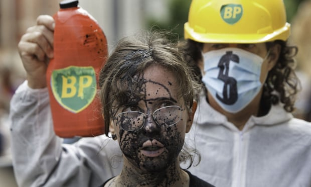 ¿Cuánto petróleo del mundo debe permanecer bajo tierra?